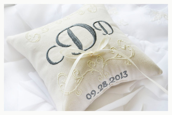 20 Unique Ring Bearer Boxes and Pillows