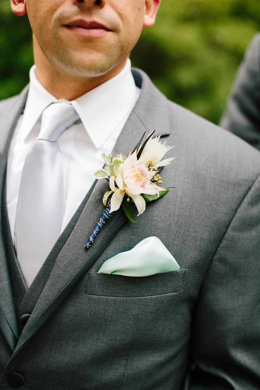 beautiful groom boutonniere - davids bridal