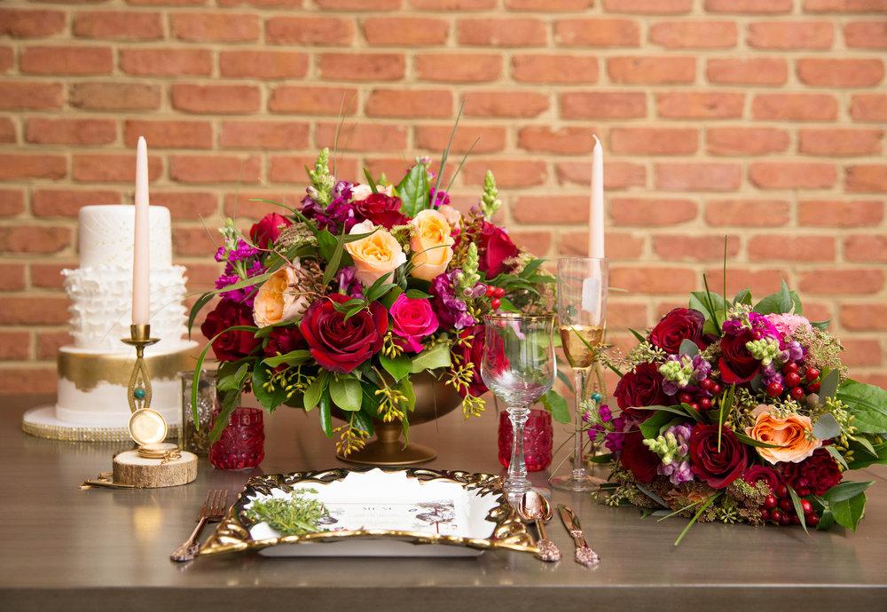 Modern Hollywood Glam Wedding Decor | Modern Hollywood Glam Wedding by Pearly Kate Photography
