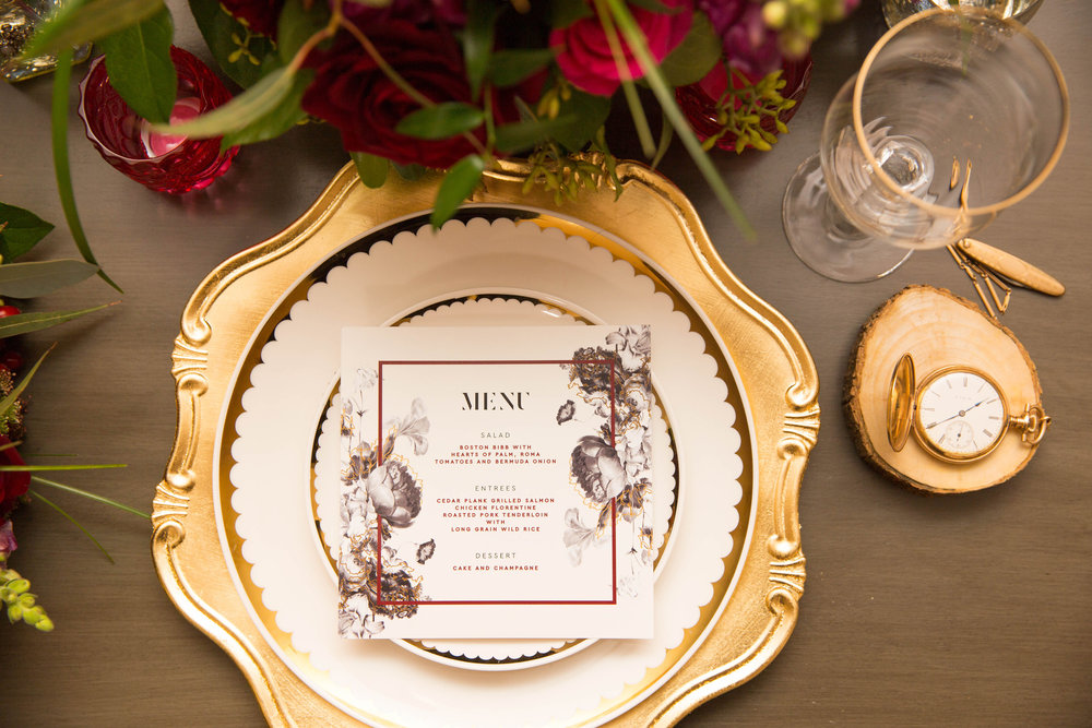 Modern Hollywood Glam Wedding Table Setting Decor | Modern Hollywood Glam Wedding by Pearly Kate Photography