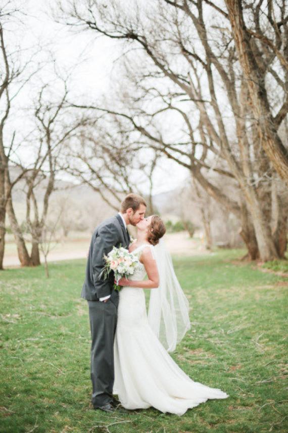 inexpensive wedding veils - fingertip length