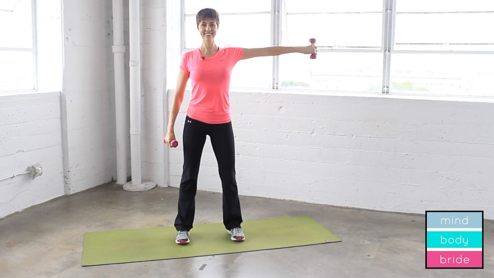 How To Tone Your Upper Arms In Under 8 Minutes
