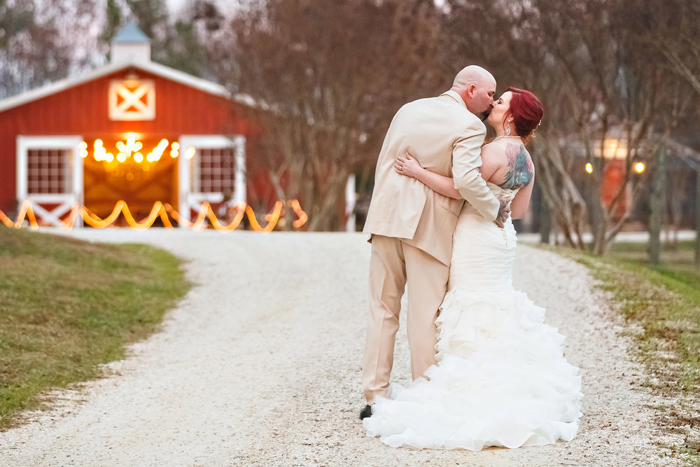 Quirky, Classy Virginia Wedding at The Vintager Inn