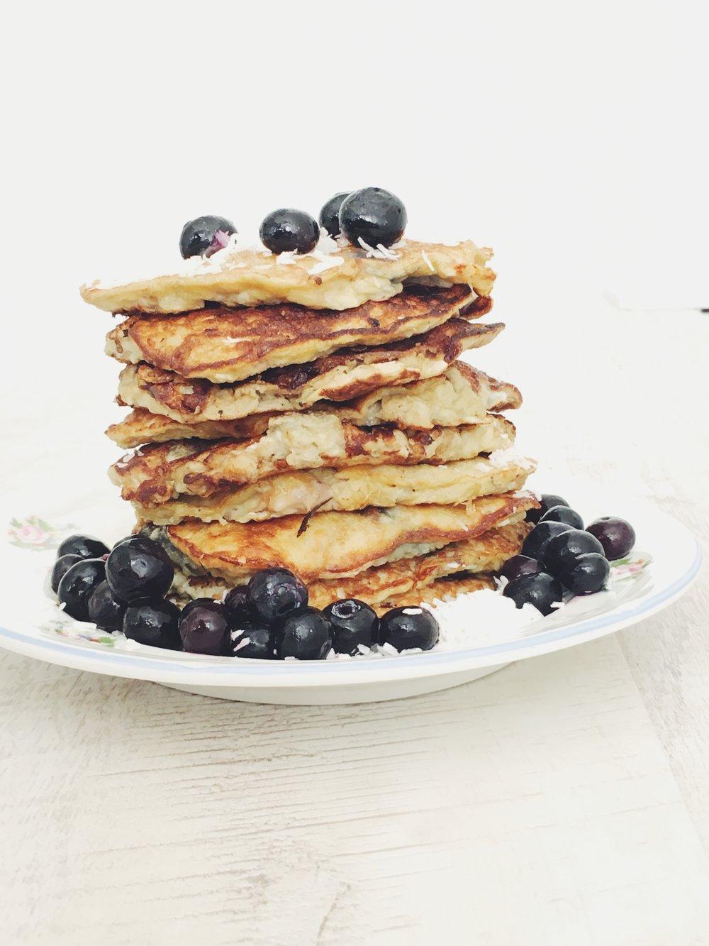 Flour Free Banana + Coconut Pancake Recipe