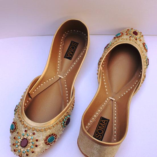 Bride flats, wedding flats, gold wedding flats, turquoise flat shoes, khussa, peach flats, jutti, mojari, punjabi jutti, embellished flats