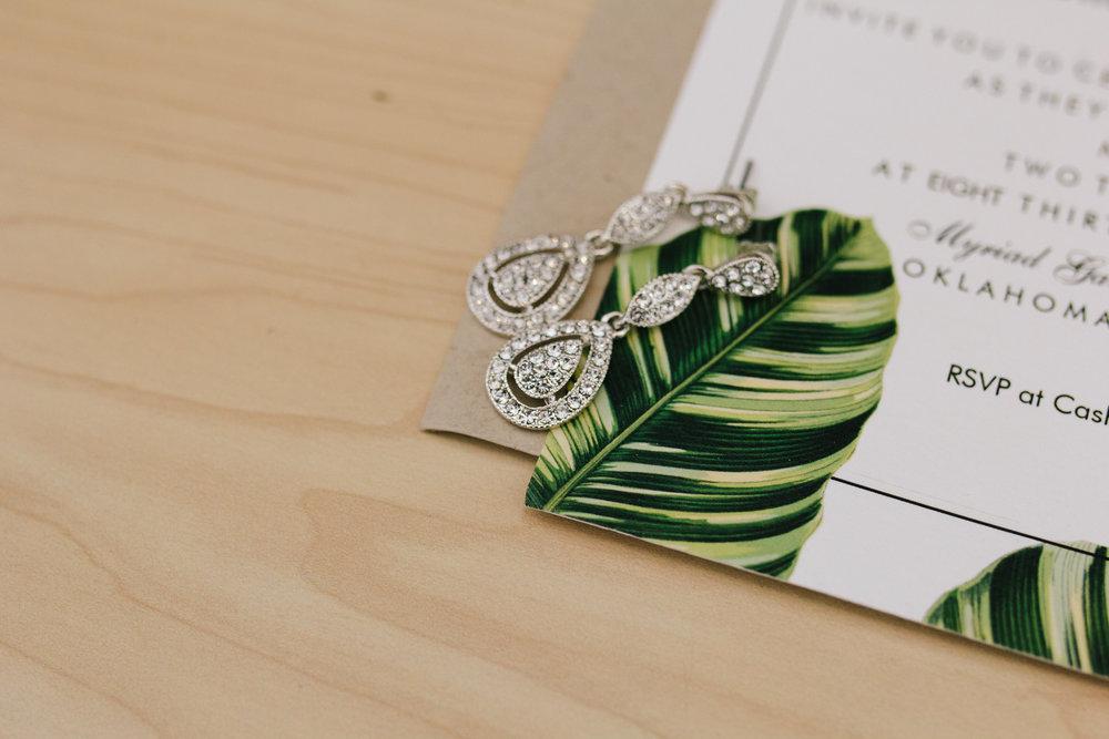 Bridal TearDrop Earrings - A Botanical Gardens Budget Wedding - From Britt's Eye View Photography