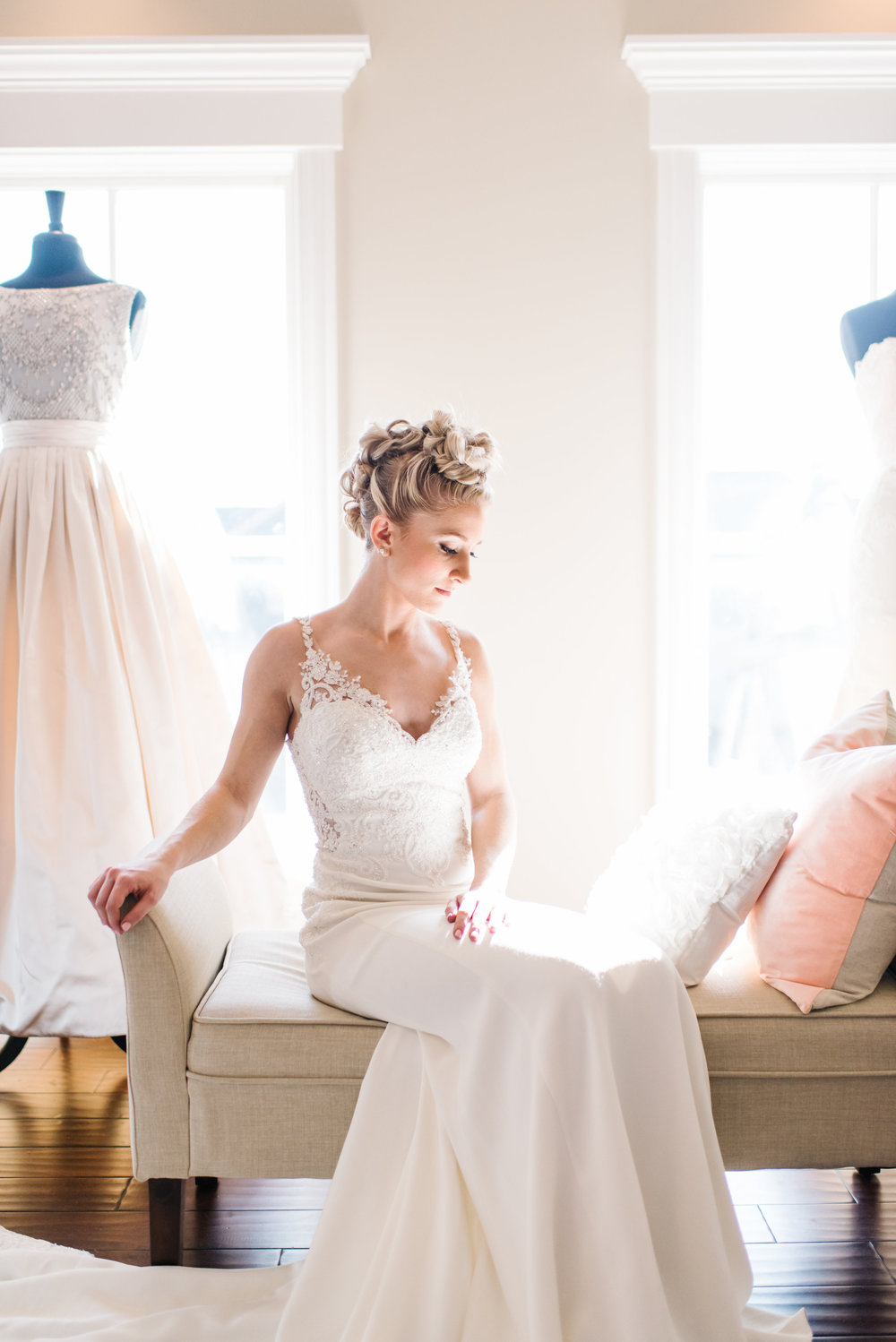 STYLED SHOOT | Make Wedding Dress Shopping Unforgettable - Brittany Marie Photography