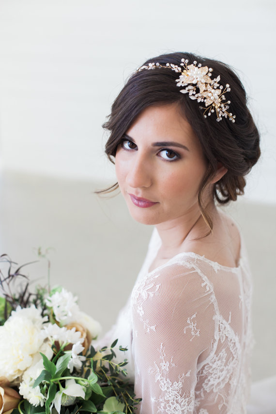 15 Gorgeous Bridal Hair Jewelry Pieces The Overwhelmed Bride