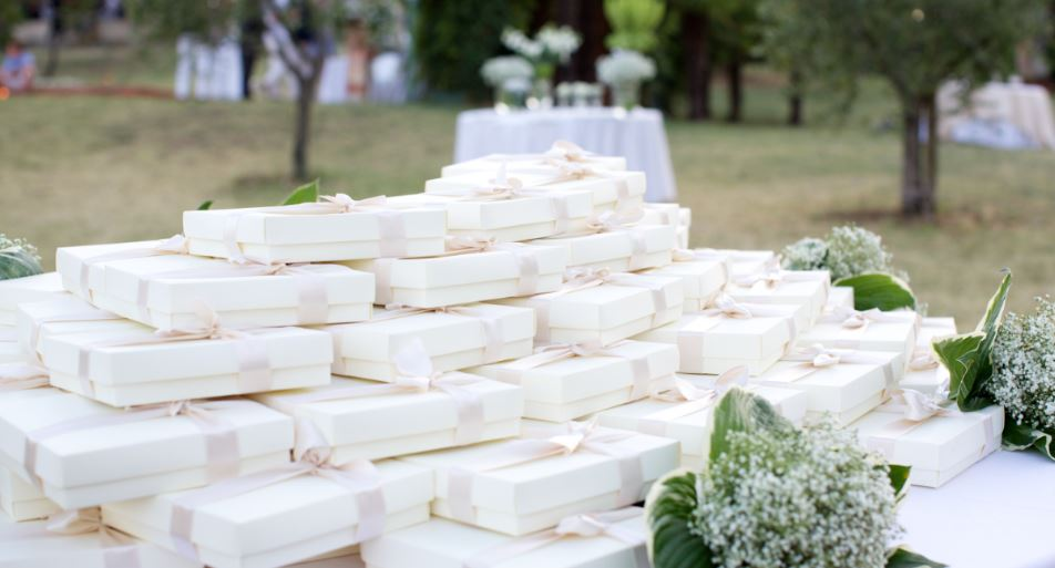 Unique Wedding Favor Ideas - Custom Fragrances for Your Wedding Day