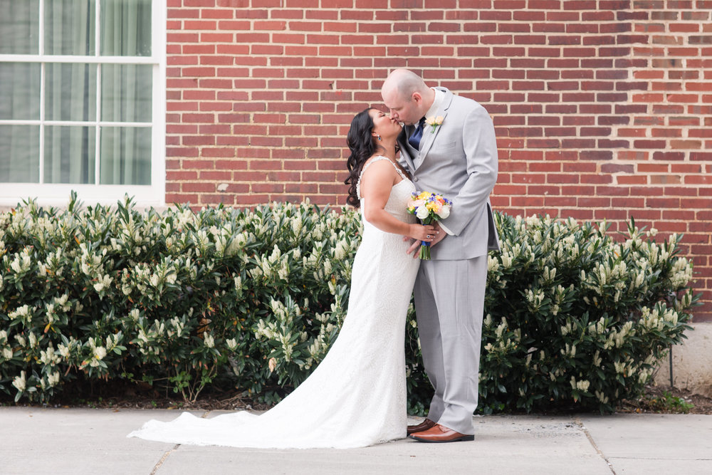 A Classic George Washington Hotel Wedding - Photography by Marirosa