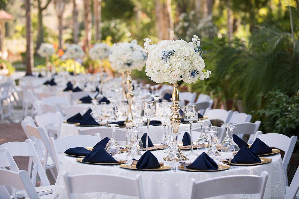 Navy Blue and Gold Wedding - A Blue + Gold Rancho El Toro Courtyard Wedding - Oana Foto
