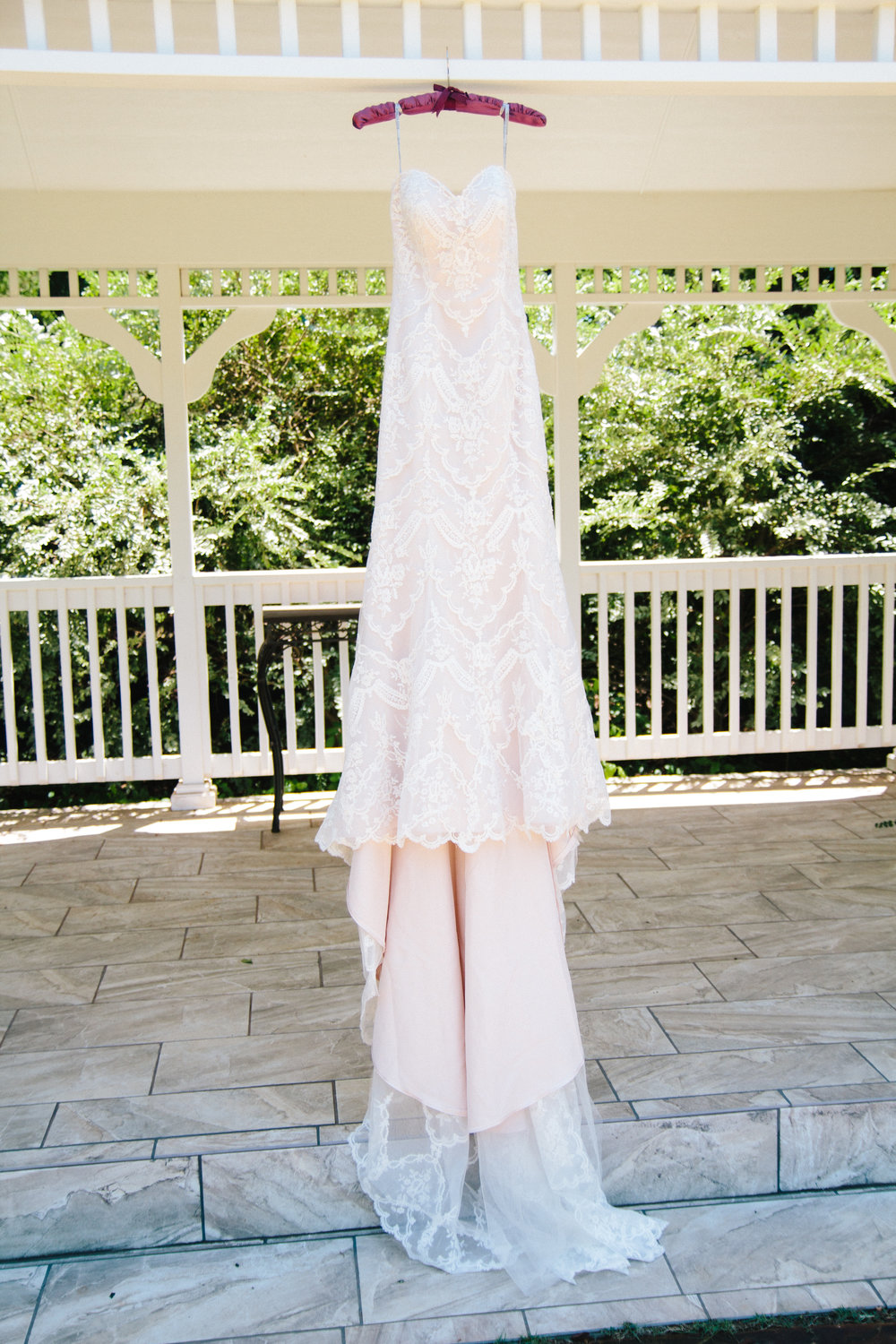 A Champagne + Blush Oklahoma Wedding - Meditations Event Center - From Britt's Eye View Photography