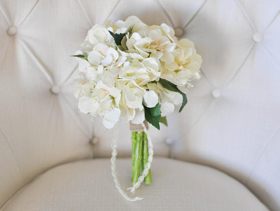 13 Silk Wedding Bouquets [you'll never believe are fake]