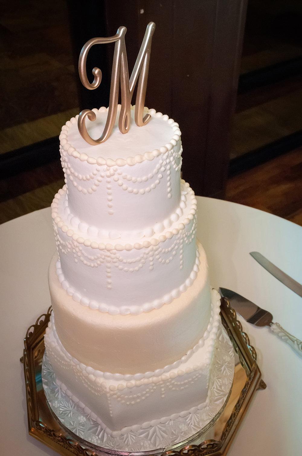 A Post Oak Lodge Vintage Wedding -- Oklahoma Wedding - Wedding Blog -- The Overwhelmed Bride