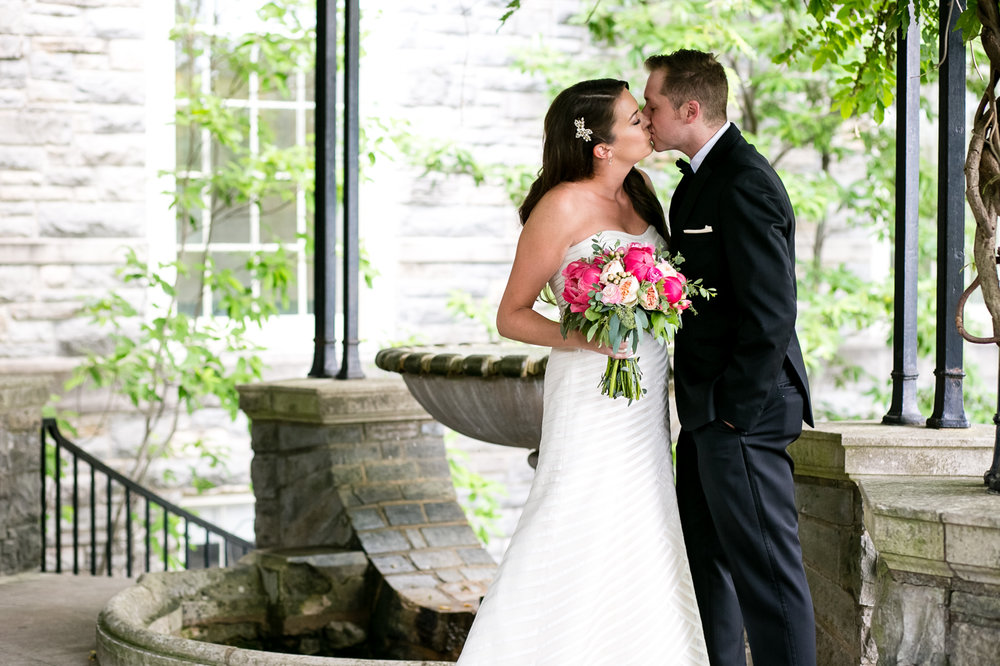 Husk's Carriage House Wedding - Cheekwood Botanical Gardens Wedding - Nashville Wedding - Wedding Blog-The Overwhelmed Bride
