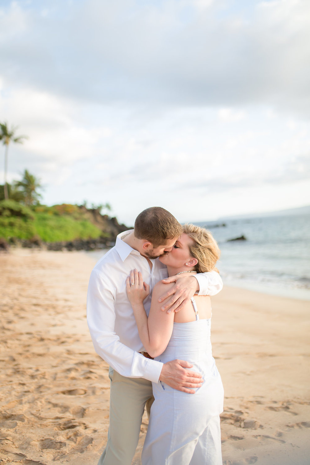 Maui Beach Engagement Photos - Vanessa Hicks Photography -- Wedding Blog - The Overwhelmed Bride