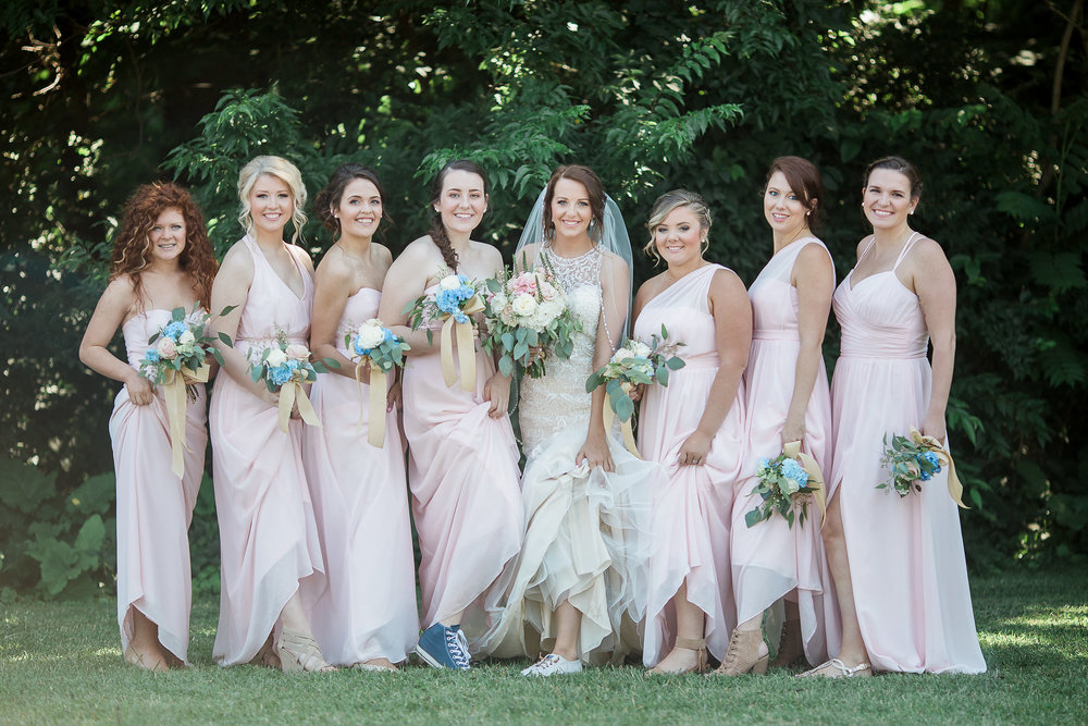 A White + Blush East Tennessee Modern Church Wedding - Robin Collins Photography -- Wedding Blog - The Overwhelmed Bride