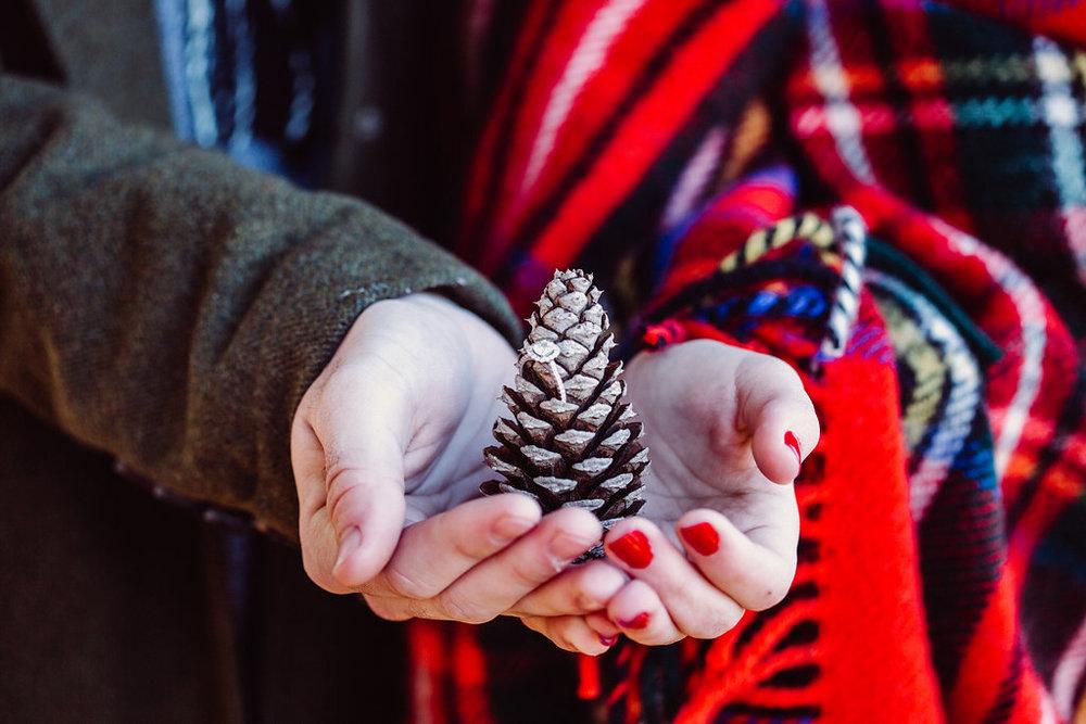 Cozy Winter Engagement Photos - Forever Photography Studio -- Wedding Blog - The Overwhelmed Bride
