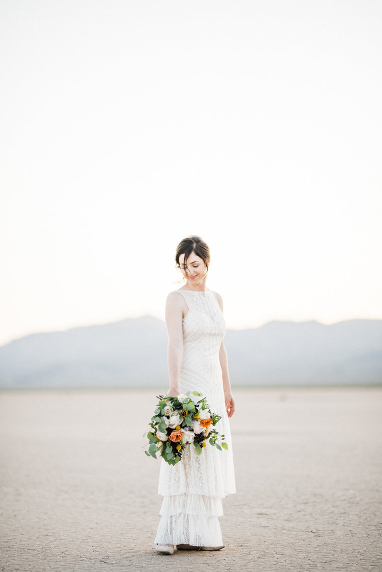 A Las Vegas Desert Elopement — The Overwhelmed Bride // Wedding Blog ...