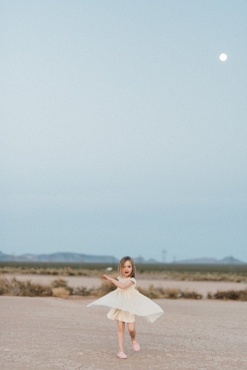 A Las Vegas Desert Elopement - Kristen Kay Photography -- Wedding Blog - The Overwhelmed Bride