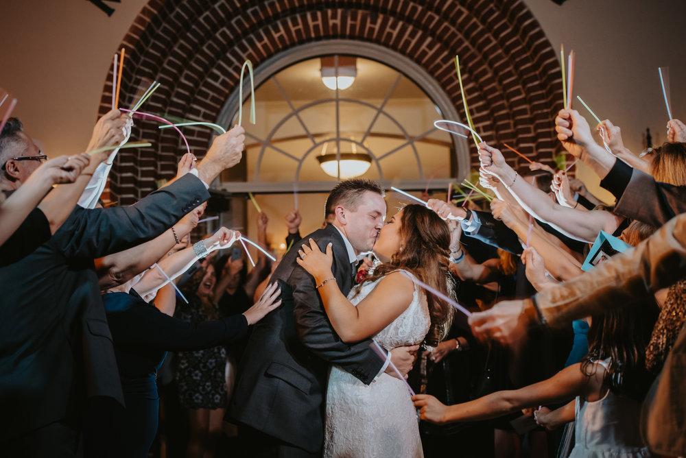 A Hollis Botanical Gardens Wedding - Kismis Ink Photography -- Wedding Blog - The Overwhelmed Bride