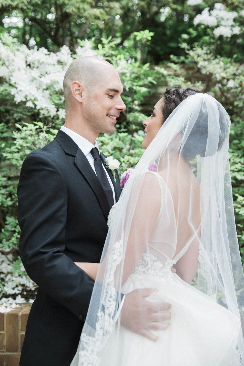 A Maryland Zoo Wedding - Emily Blumberg Photography -- Wedding Blog - The Overwhelmed Bride