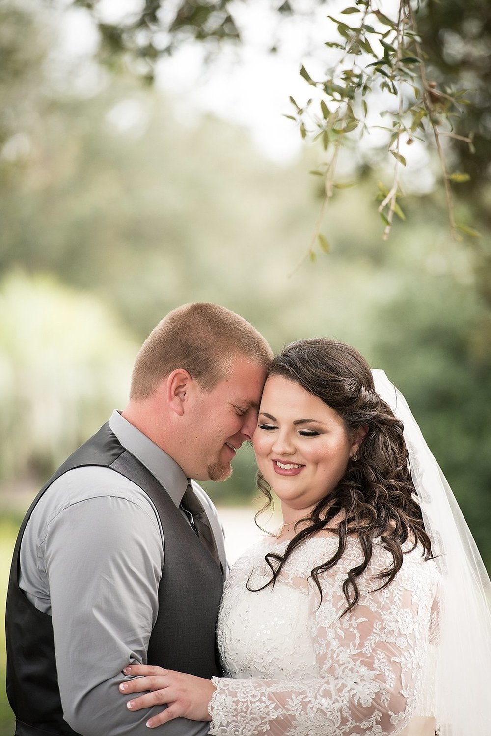 St. Johns Golf & Country Club Florida Wedding -- Wedding Blog - The Overwhelmed Bride