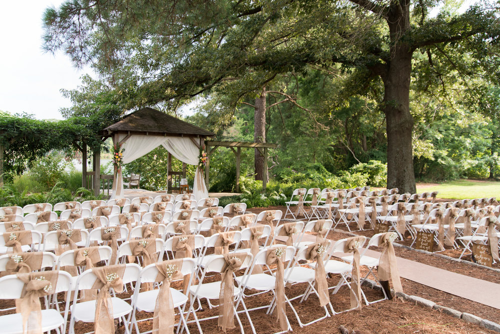 A Colorful Virginia Beach Butterfly Garden Wedding The Overwhelmed