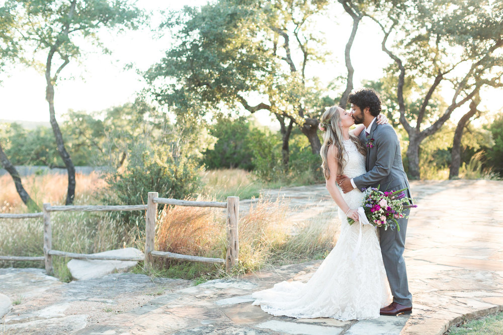 Gorgeous Wedding Photos - Heritage House Wedding - Georgetown, Texas Wedding Venue