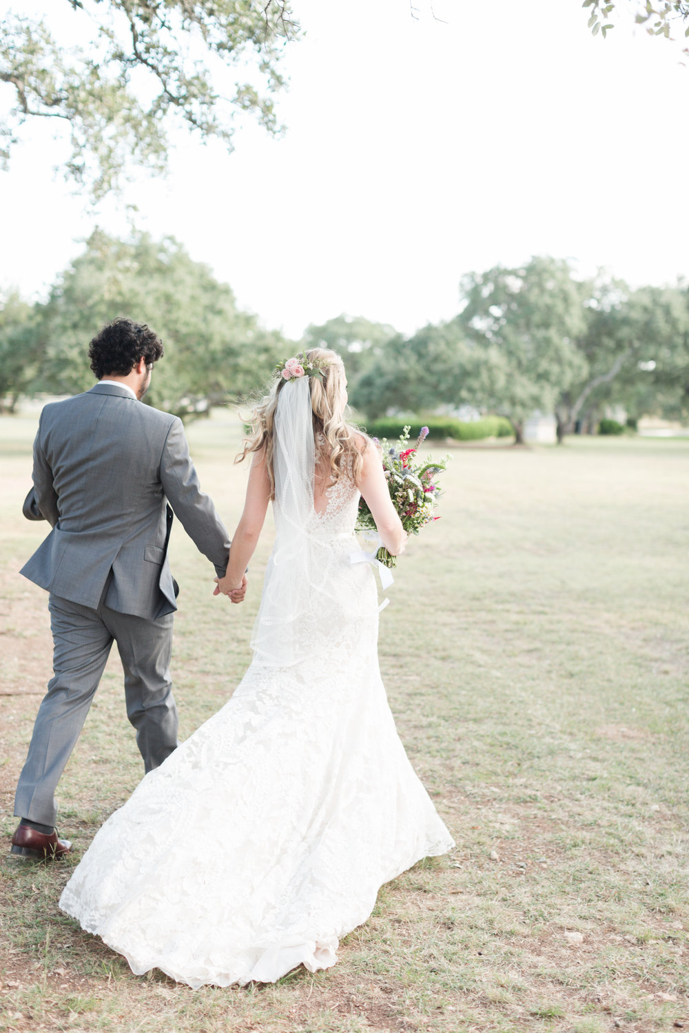 Gorgeous Wedding Photos - Heritage House Wedding - Georgetown, Texas Wedding Venue