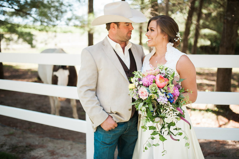 Gorgeous Farm Wedding Photos - Iowa Farm Wedding - Private Estate Weddings