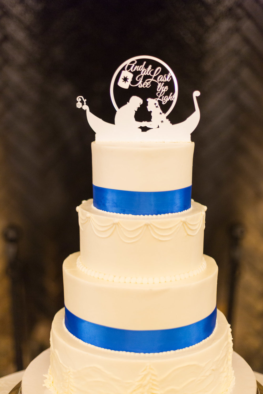 Gorgeous White Wedding Cakes - Gorgeous Yosemite Wedding Venues