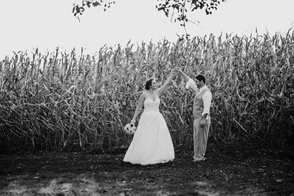 Gorgeous Farm Wedding Photos - A Pennsylvania Barn Swallow Farm Wedding