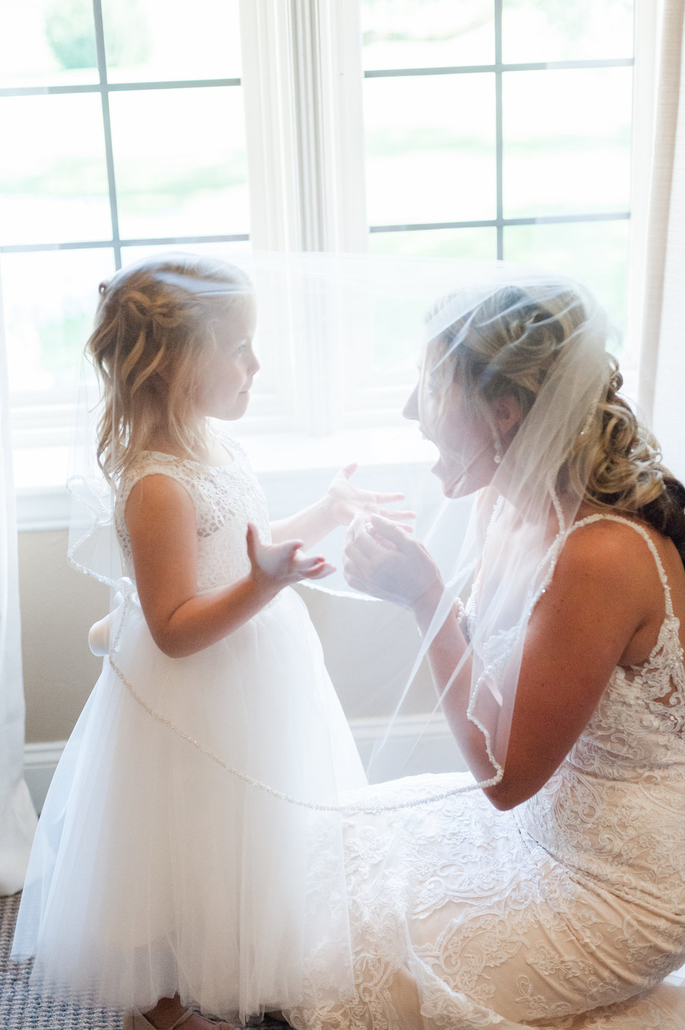 Cute Bride + Flower Girl Photos