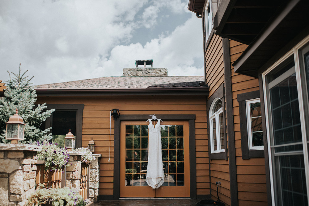 Lace Wedding Dress - Meadow Ridge Farm Ohio Wedding