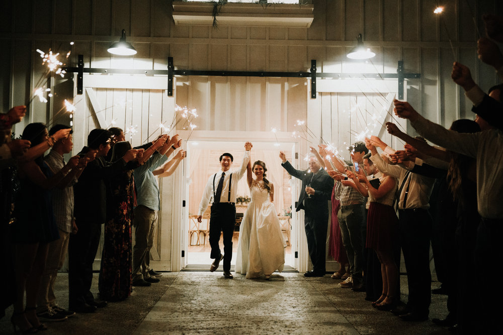 Gorgeous Wedding Photos - Athens, Tennessee Barn Wedding -- The Overwhelmed Bride Wedding Blog