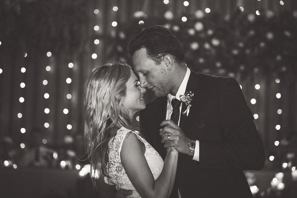 Gorgeous Wedding Photos - Hangar Wedding - The Overwhelmed Bride Wedding Blog