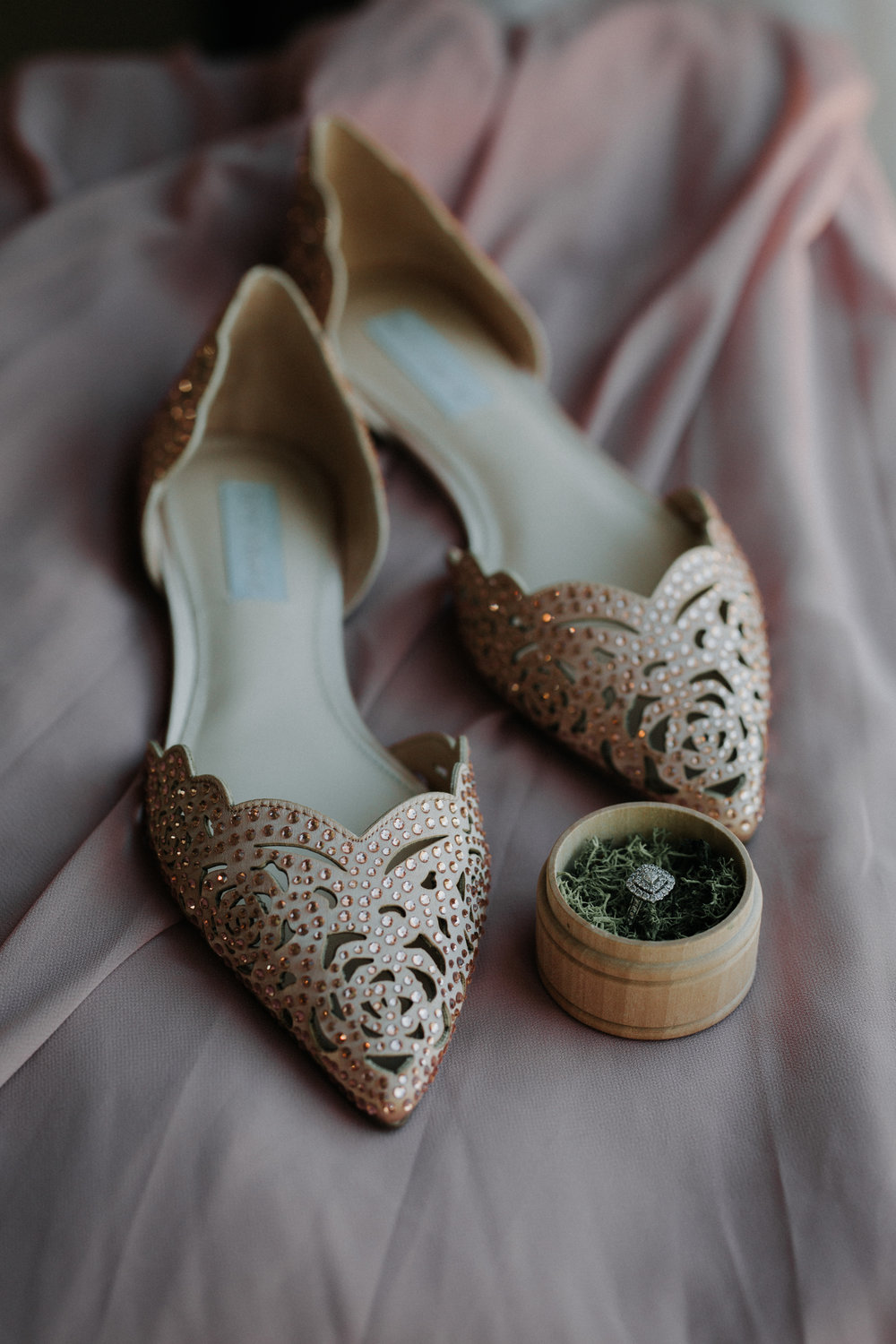 Bridal Flats - Dara's Garden Knoxville East Tennessee Wedding — The Overwhelmed Bride Wedding Blog