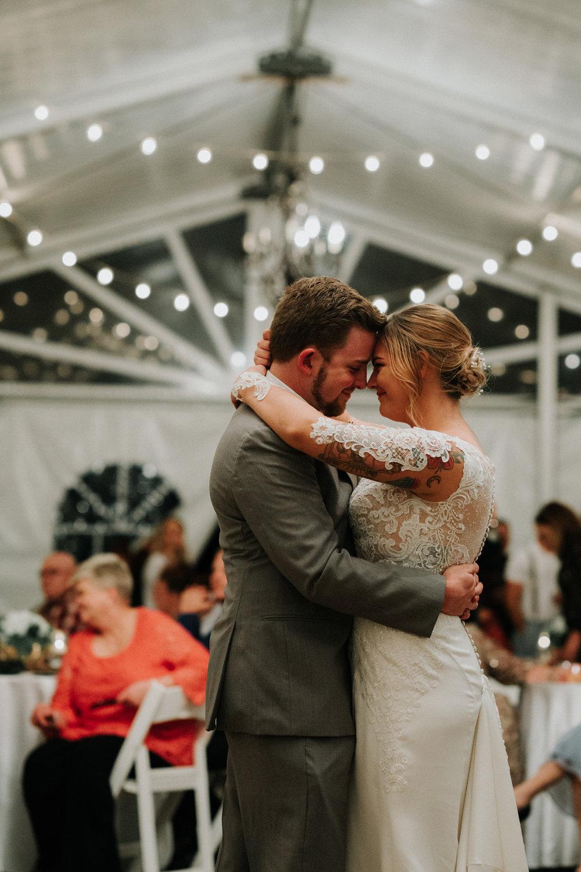 Gorgeous Wedding Photos - Dara's Garden Knoxville East Tennessee Wedding — The Overwhelmed Bride Wedding Blog
