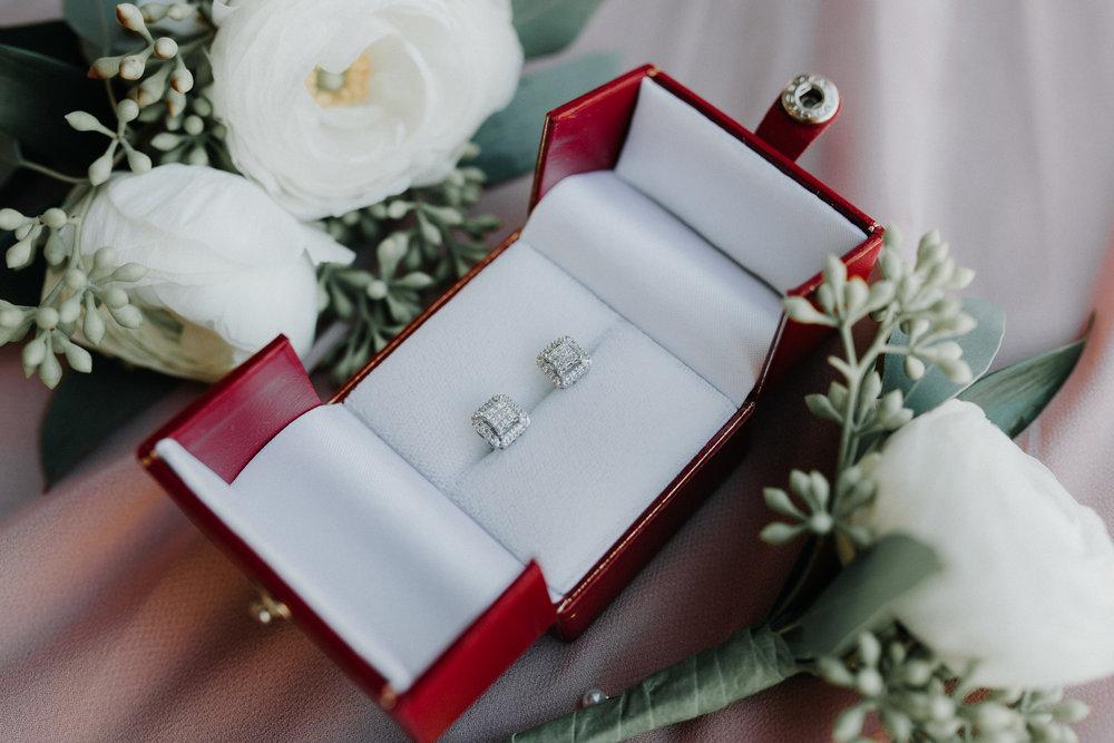 Bridal Earrings - Dara's Garden Knoxville East Tennessee Wedding — The Overwhelmed Bride Wedding Blog