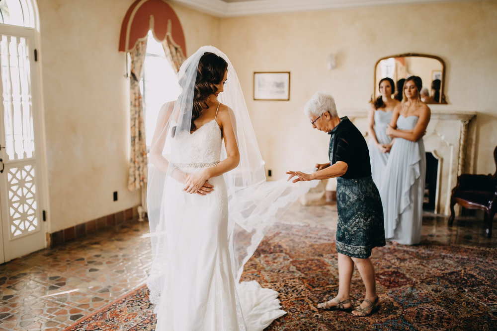 Gorgeous Wedding Getting Ready Photos - Florida Estate Wedding - Powel Crowley Estate Wedding