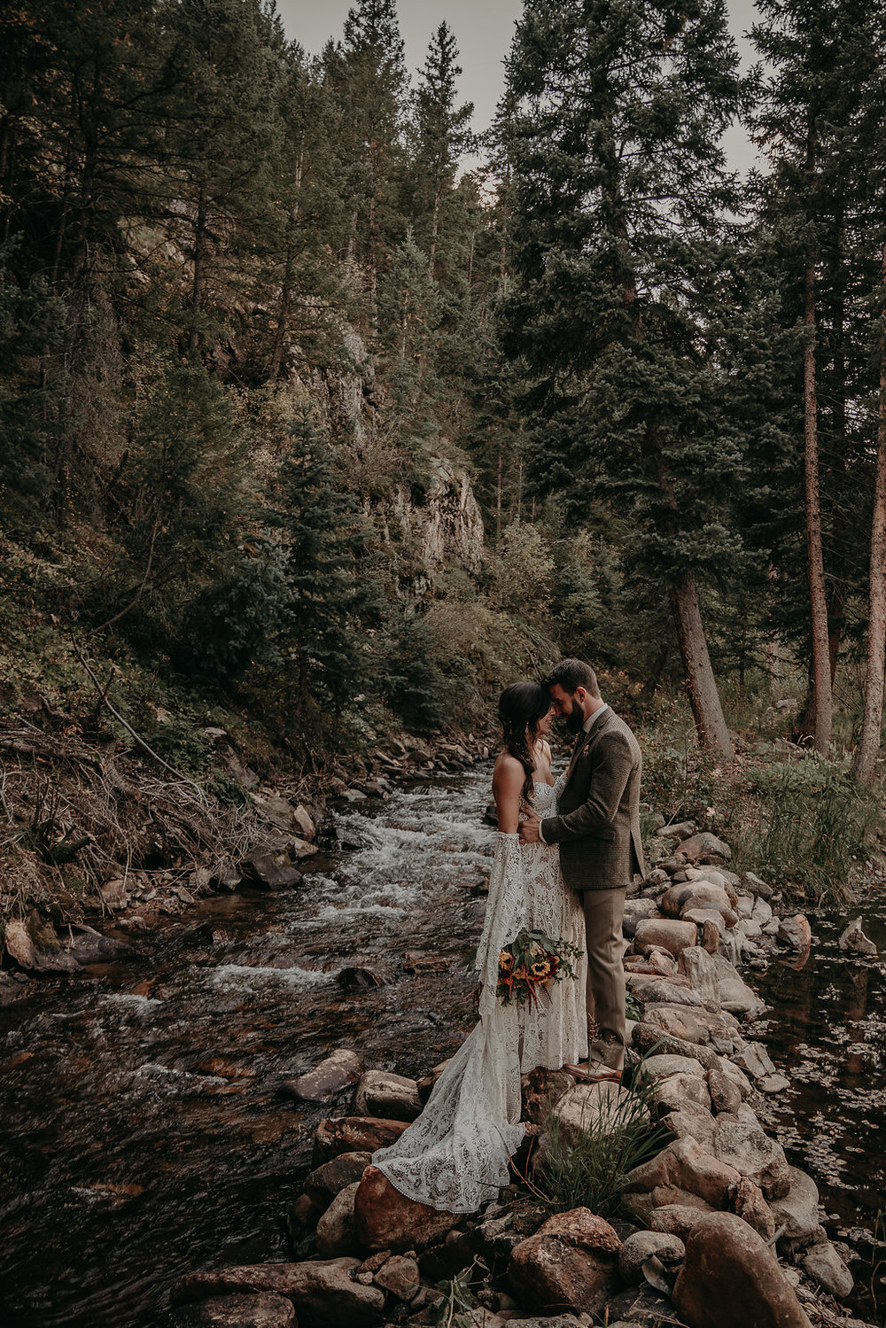A Blackstone Rivers Ranch Colorado Wedding — The Overwhelmed Bride Wedding Blog