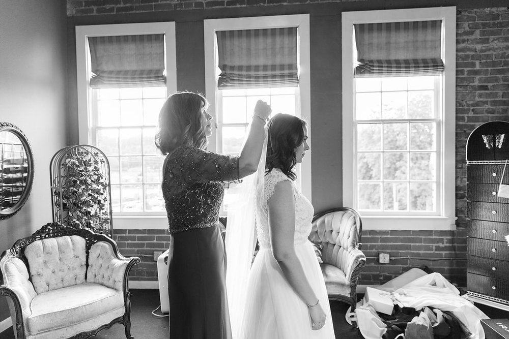 Vintage Seattle Wedding Venue - The Overwhelmed Bride Wedding Blog