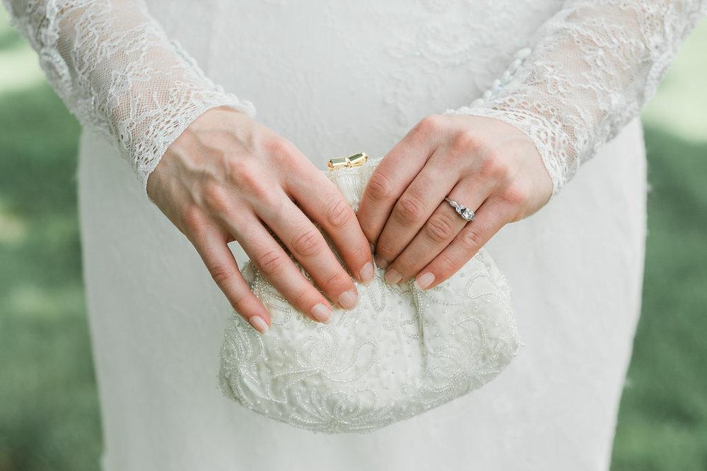 Burton, Ohio Wedding Venue - Welshfield Inn Wedding - The Overwhelmed Bride Wedding BlogBurton, Ohio Wedding Venue - Welshfield Inn Wedding - The Overwhelmed Bride Wedding Blog