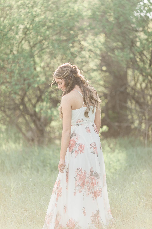 Gorgeous Garden Engagement Photos - The Overwhelmed Bride Wedding Blog