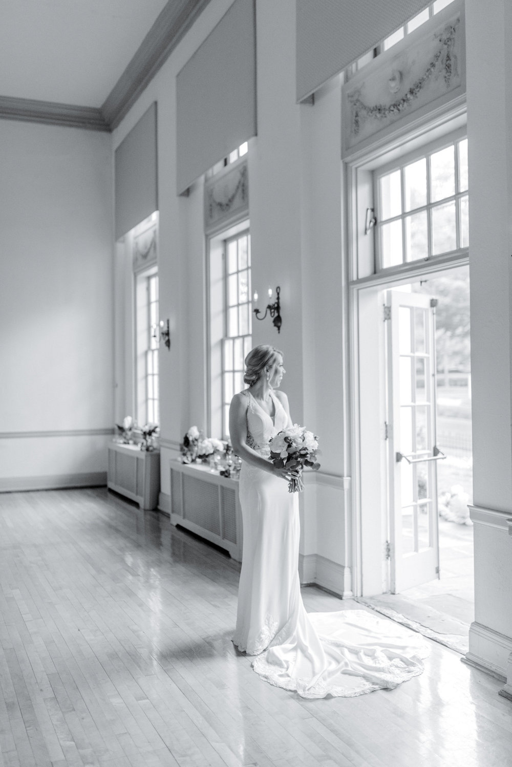 An Intimate Levering Mill Tribute House Pennsylvania Wedding - The Overwhelmed Bride Wedding Blog