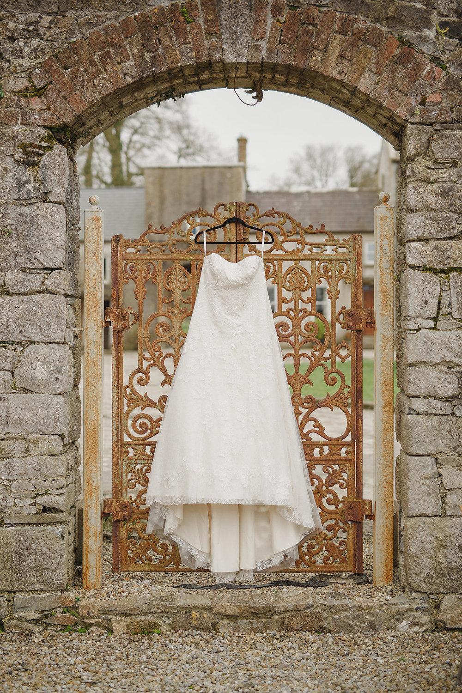 An Intimate Springfield Castle Ireland Wedding - The Overwhelmed Bride Wedding Blog