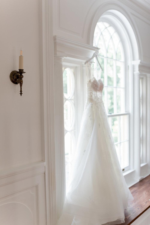 A Classic Rust Manor House Virginia Wedding