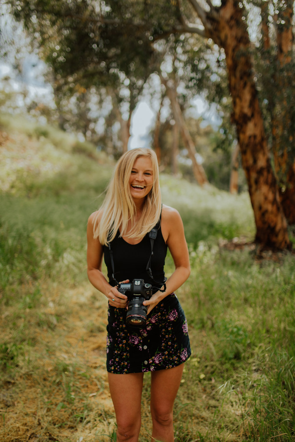 Hey! I'm Kelsie. - Thanks for stopping by! This website contains memories that I love and hold dear to my heart. I have captured these beautiful moments along my life's journey. I love what I do. And I am happy I get to share it with you all. Xx