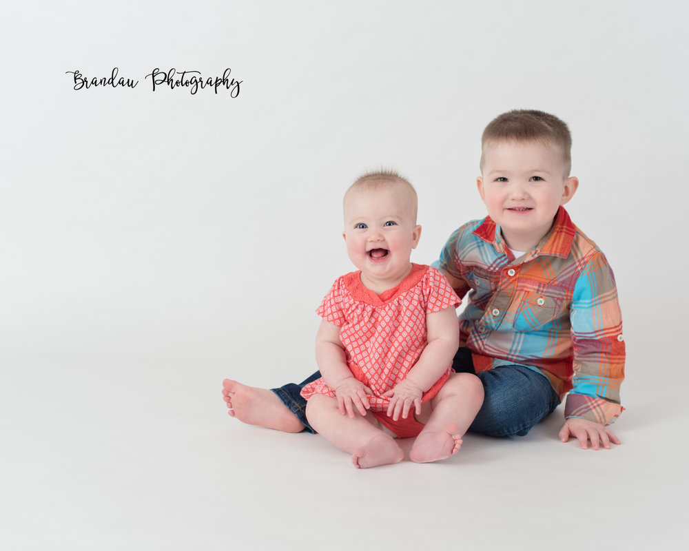 Brandau Photography_ brother sister laughing.jpg